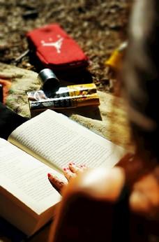 看书书图片
