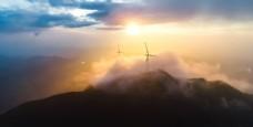 山頂日出旅游背景海報素材圖片