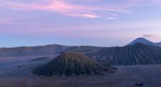 日出山峰旅游背景海報素材圖片