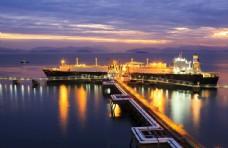 大鹏船夜景图片