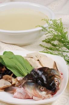 魚頭豆腐湯圖片