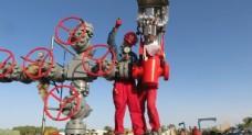 石油工人图片