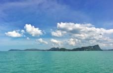 大海上的海岛图片