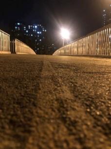 夜晚小路图片