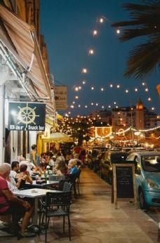 夜晚餐厅图片