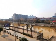 城市河道风景图片