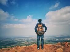 山顶游客图片