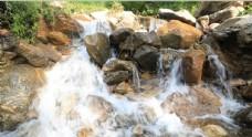 兴唐寺瀑布图片