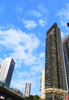 蓝天白云大厦图片