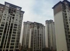 高楼房子蓝天白云图片