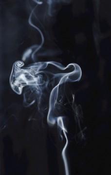 一丝烟雾图片